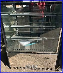 Commercial Patisserie Display Case Cake Counter 900x730x1300mm 3 shelves LED