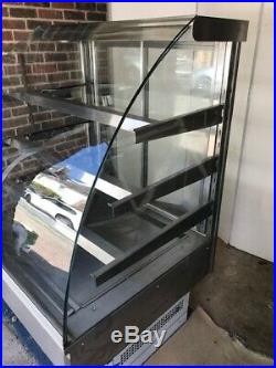 Display fridge, Serve over curved glass display refrigerated counter