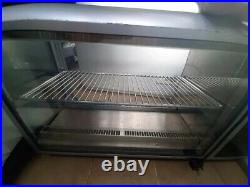 Lincat Counter Top Refrigerated Display Cabinet only used for 2 weeks